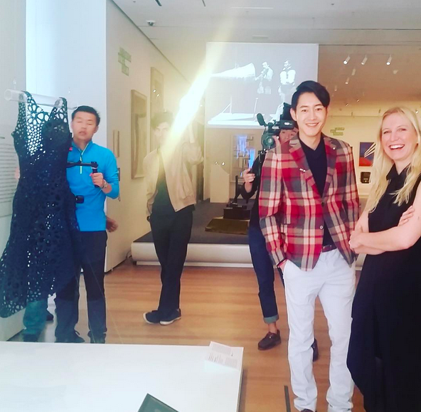 Sept 2015 // Being interviewed by YouKu China in the MoMA galleries, talking about the awesome Kinematics Dress 💥